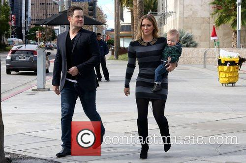 Mike Comrie, Hilary Duff and Luca Cruz Comrie 11