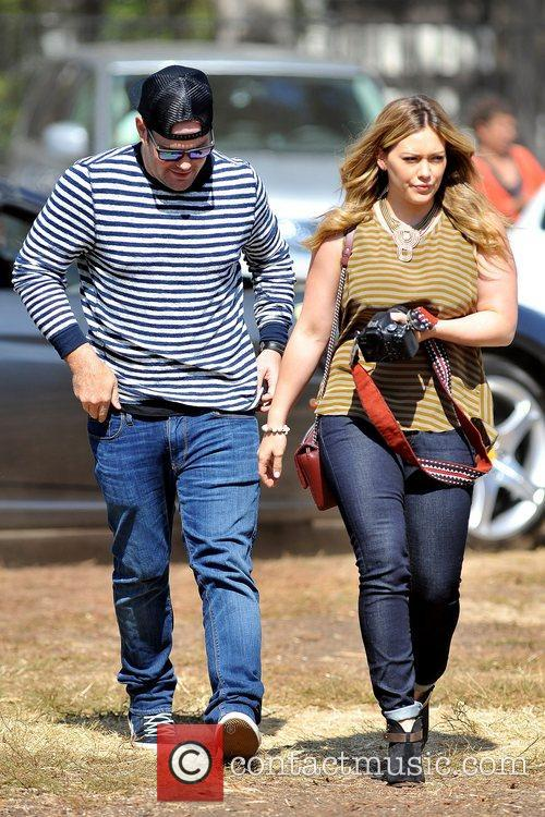 Mike Comrie and Hilary Duff 3