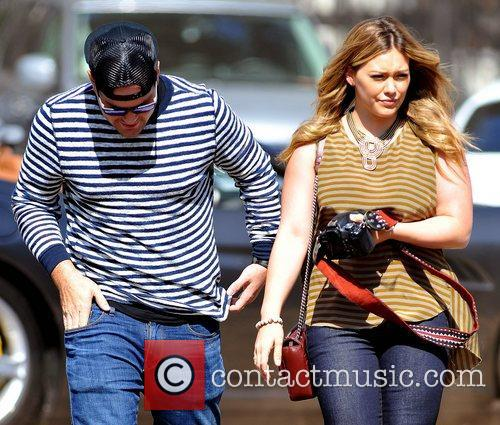 Mike Comrie and Hilary Duff 9