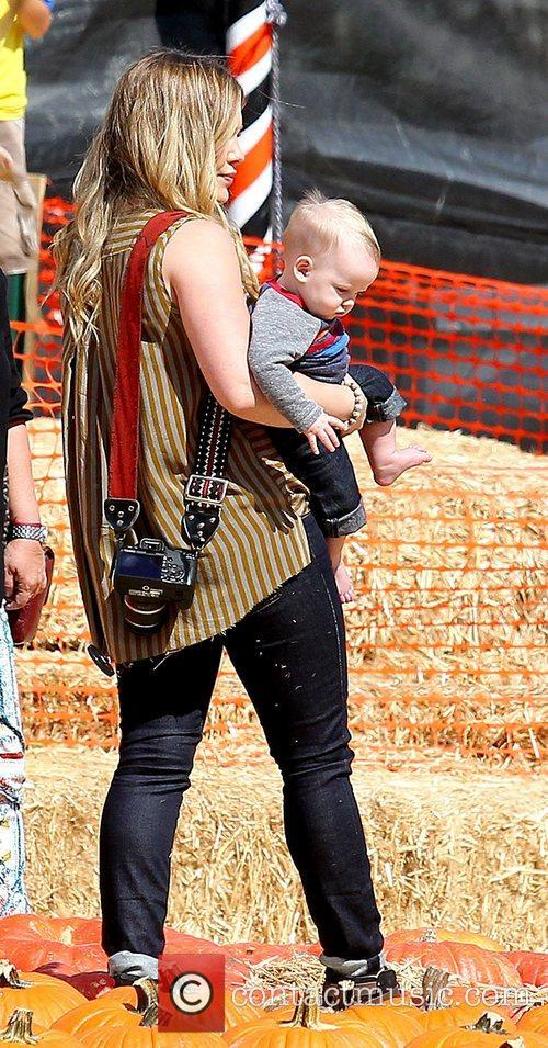 Hilary Duff and Luca Cruz Comrie 10