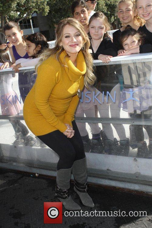 hilary duff hosts danskins goodwill campaign move 5768282