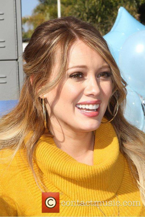 hilary duff hosts danskins goodwill campaign move 5768315