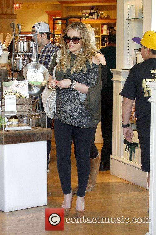 Mike Comrie and Hilary Duff 10