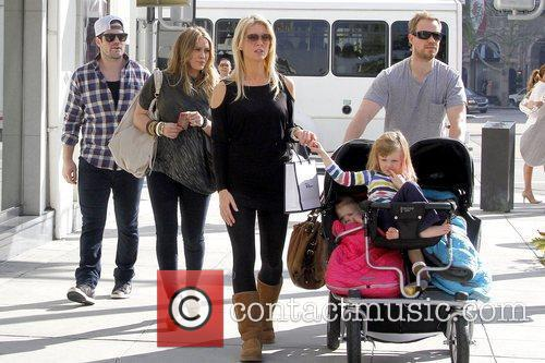 Mike Comrie and Hilary Duff 5