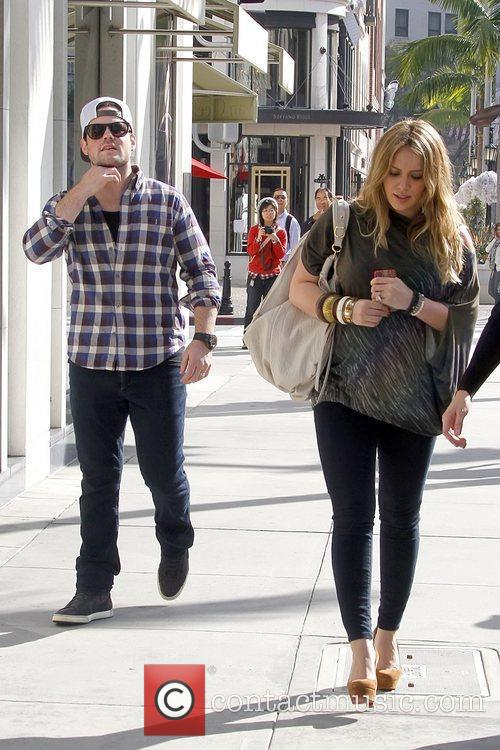 mike comrie and hilary duff hilary duff 5773495