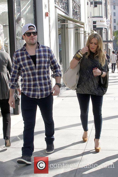 Mike Comrie and Hilary Duff 4