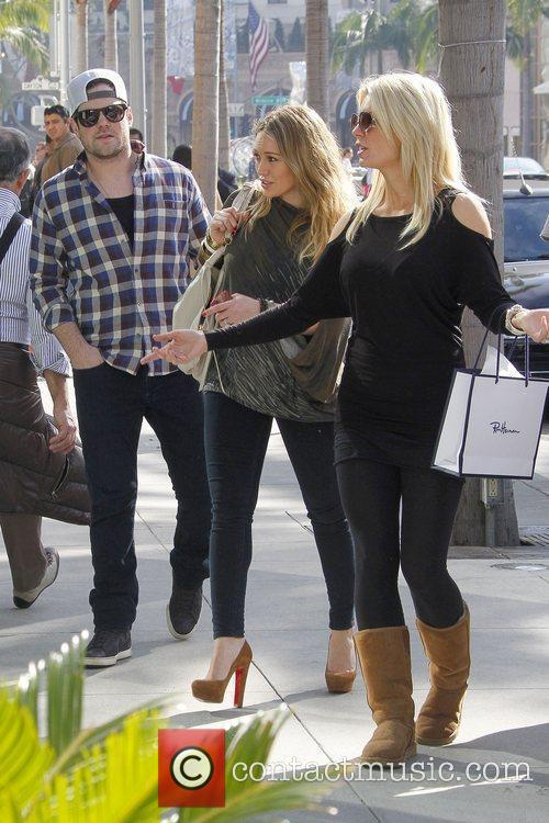 Mike Comrie and Hilary Duff 8