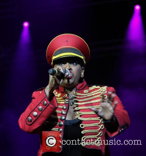 Lonnie Gordon Hit Factory Live's 'Christmas Cracker' at...