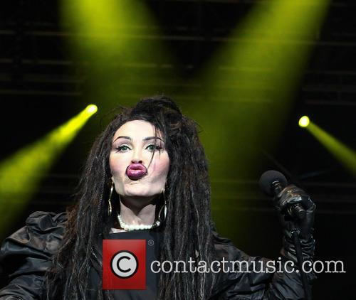 Pete Burns, Dead and Alive 17