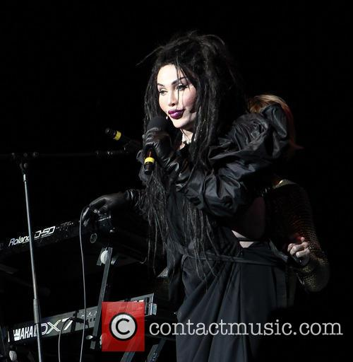 Pete Burns, Dead and Alive 14