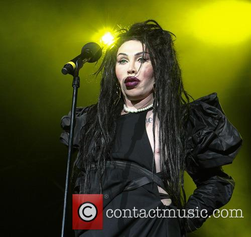 Pete Burns, Dead and Alive 5