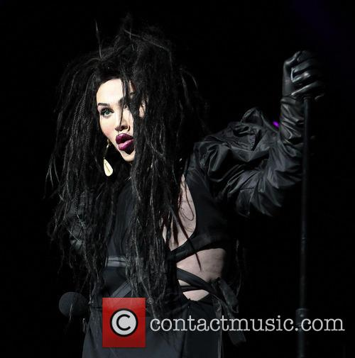 Pete Burns, Dead and Alive 10