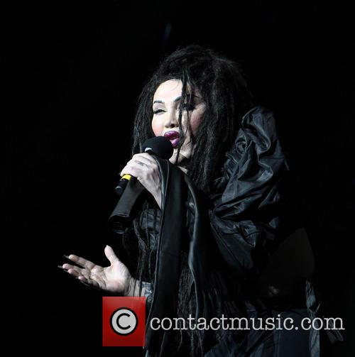 Pete Burns, Dead and Alive 12
