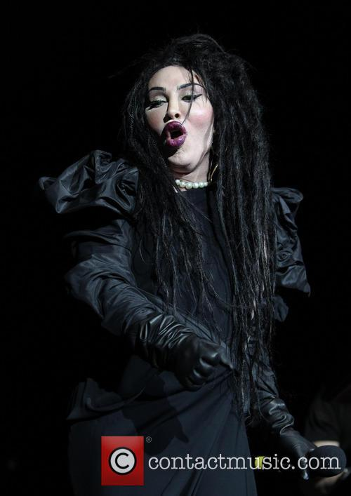 Pete Burns, Dead and Alive 8