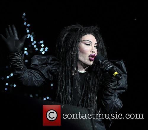 Pete Burns, Dead and Alive 9