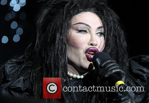 Pete Burns, Dead and Alive 1