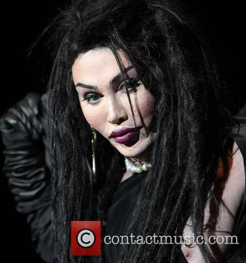 Pete Burns, Dead and Alive 7