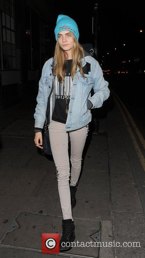 Cara Delevigne, Rihanna, Forum and Kentish Town 15