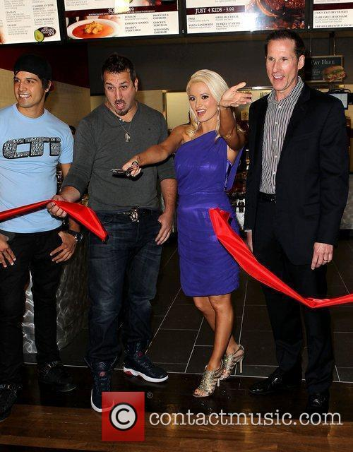 Joey Fatone and Holly Madison 4