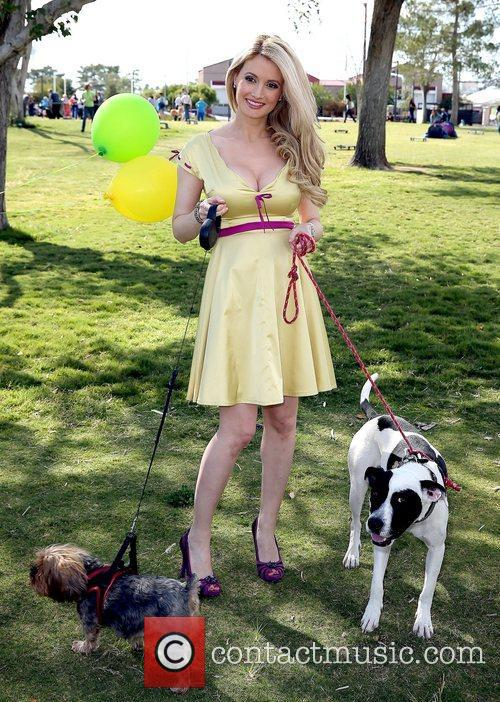 holly madison with chloe and rocky holly 5932583