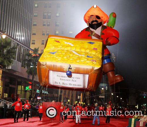 Hollywood Christmas Parade Benefiting, Marine Toys For Tots and Show 2