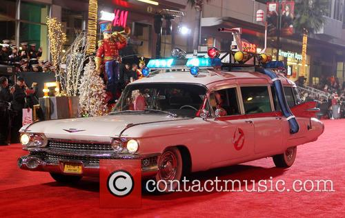 Hollywood Christmas Parade Benefiting, Marine Toys For Tots and Show 23