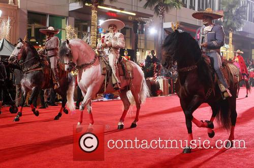 Hollywood Christmas Parade Benefiting, Marine Toys For Tots and Show 28