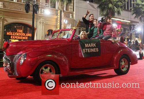Hollywood Christmas Parade Benefiting, Marine Toys For Tots, Show