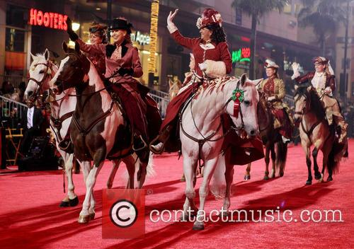 Hollywood Christmas Parade Benefiting, Marine Toys For Tots and Show 21