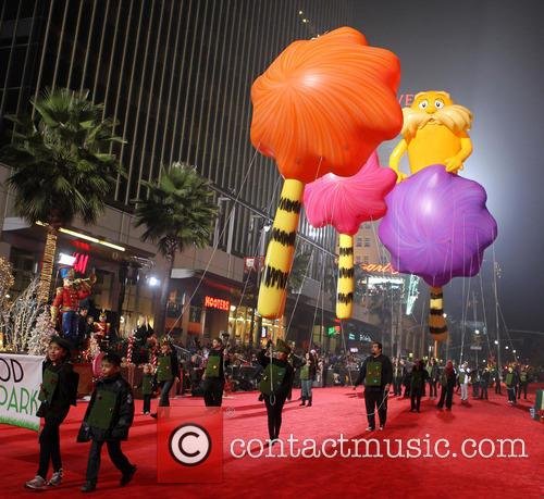 Hollywood Christmas Parade Benefiting, Marine Toys For Tots and Show 40