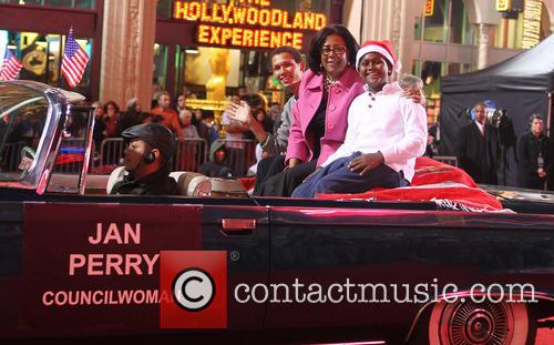 2012 hollywood christmas parade benefiting marine toys 20008357