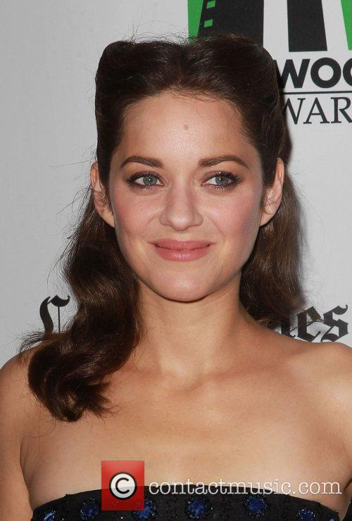 Marion Cotillard and Beverly Hilton Hotel 10