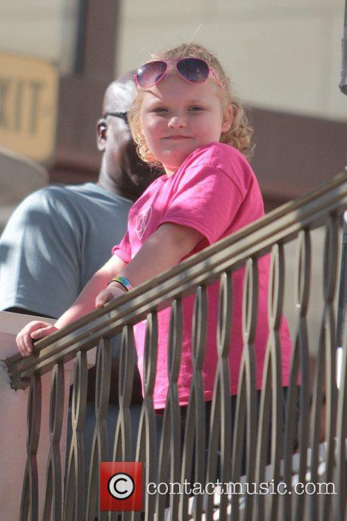 Here Comes Honey Boo, Boo, Alana Thompson and Mama June 10
