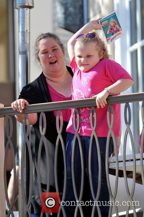 Here Comes Honey Boo, Boo, Alana Thompson and Mama June 5