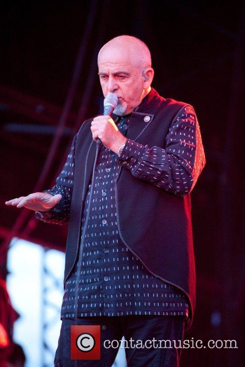 Peter Gabriel and the New Blood Orchestra...