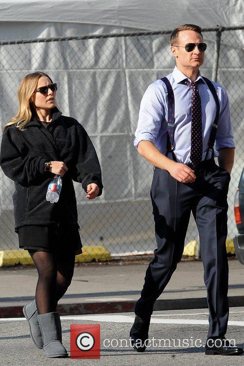 Pregnant Kristen Bell 8