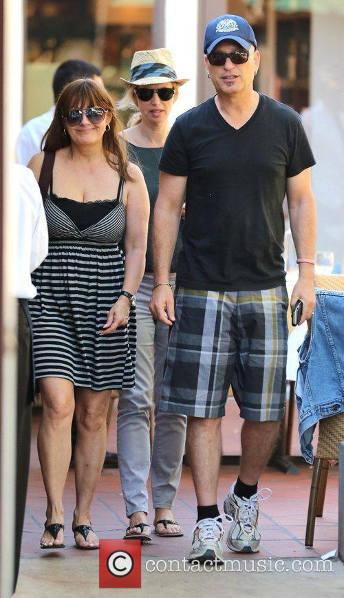 howie mandel and his wife terry walk 4028842