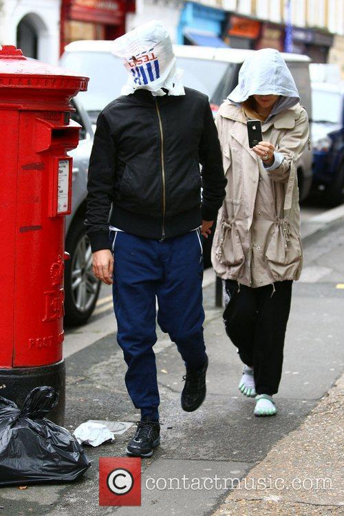 Matt Bellamy and Kate Hudson 9