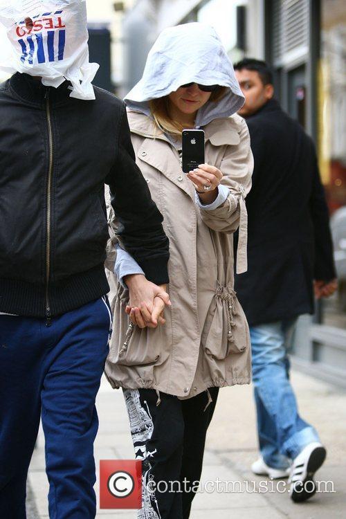 Matt Bellamy and Kate Hudson 3