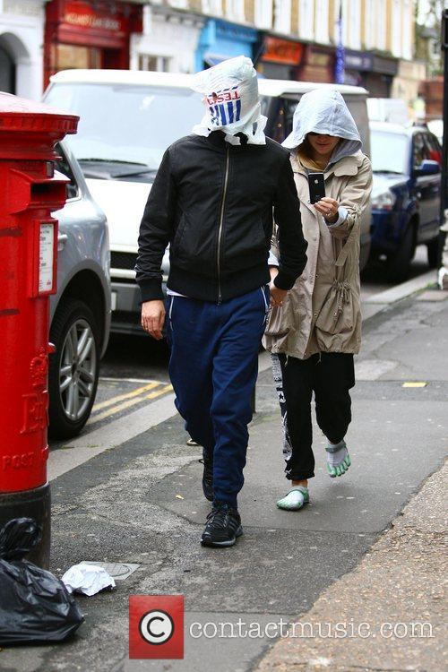 Matt Bellamy and Kate Hudson 8