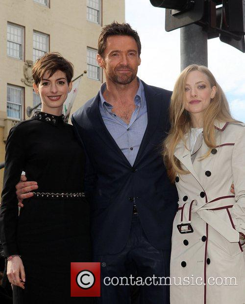 Anne Hathaway, Hugh Jackman and Amanda Seyfried 5