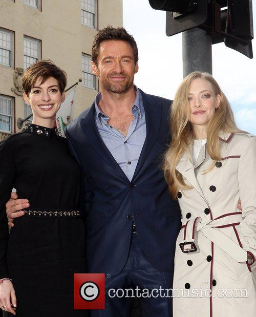 Anne Hathaway, Hugh Jackman and Amanda Seyfried 2
