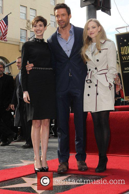 Anne Hathaway, Hugh Jackman and Amanda Seyfried 6