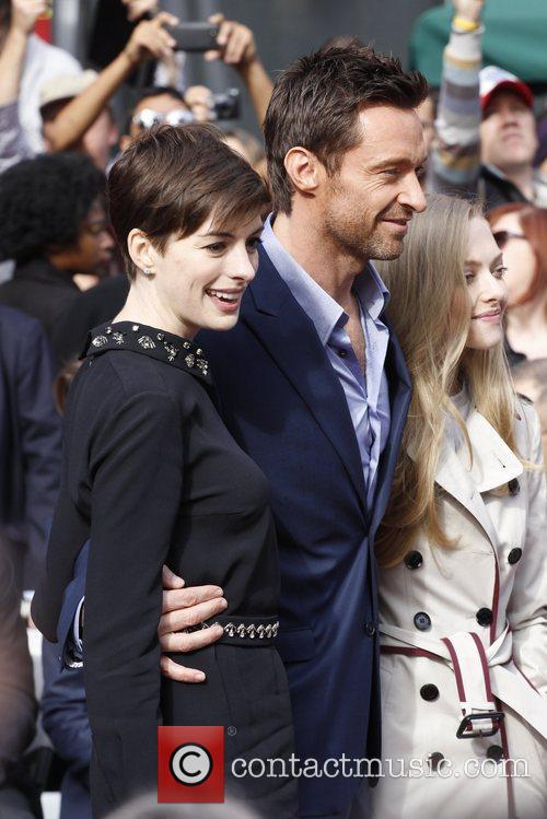 Anne Hathaway, Hugh Jackman and Amanda Seyfried 10