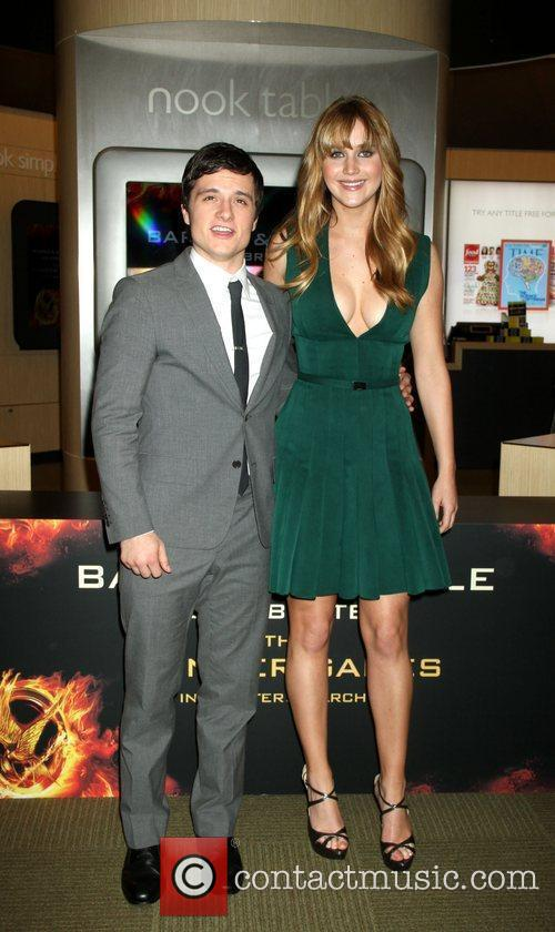 Josh Hutcherson and Jennifer Lawrence 8