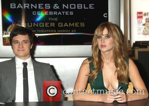 Josh Hutcherson and Jennifer Lawrence 11
