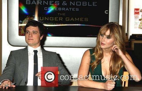 Josh Hutcherson and Jennifer Lawrence 10