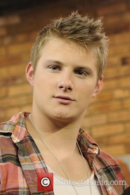 alexander ludwig the hunger games cast appears 5811594