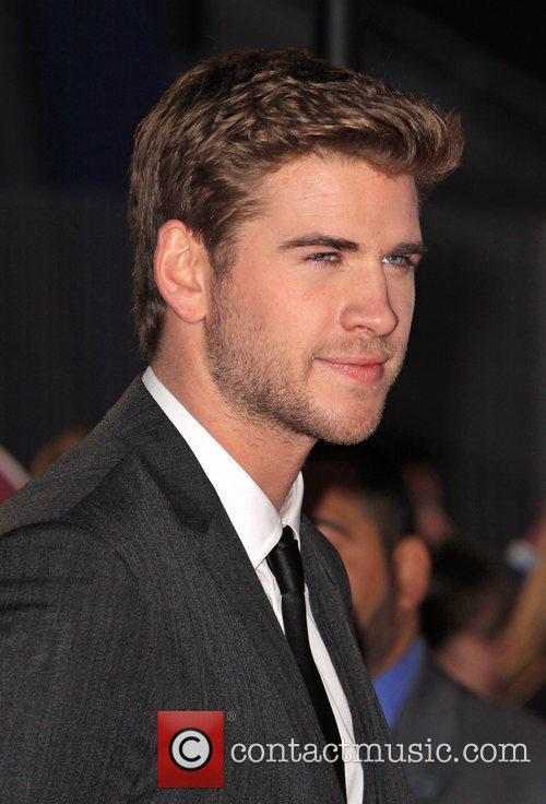 liam hemsworth the hunger games premiere held 5809451