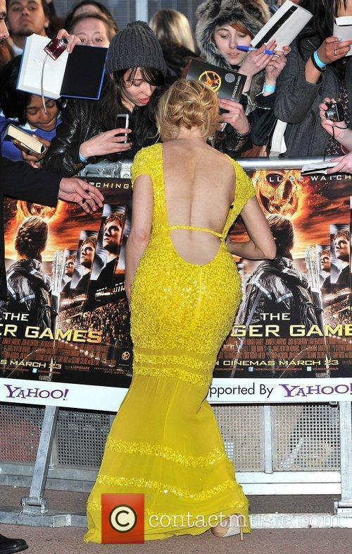 elizabeth banks the hunger games premiere held 3780677